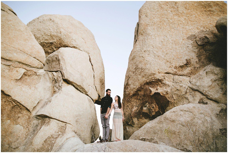 joshuatree_weddingphotographer_destinationweddingphotographer_emilychidesterphotography_0040.jpg