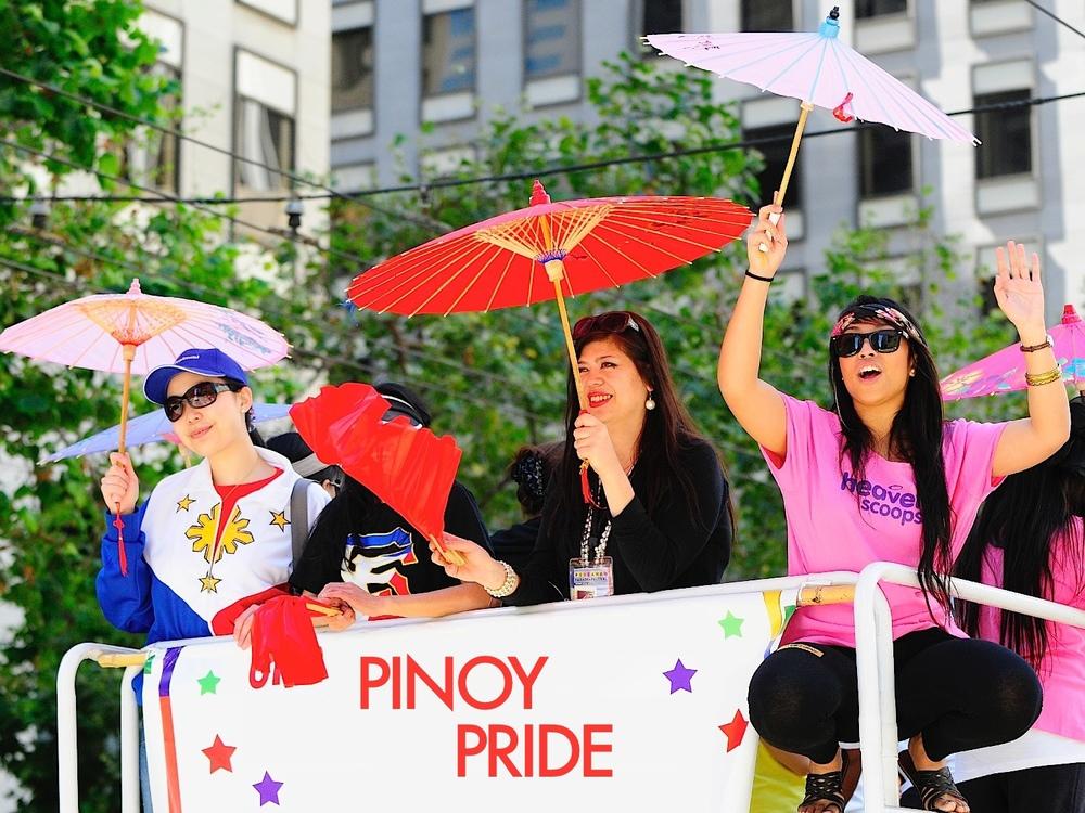 Pistahan Parade float.jpg