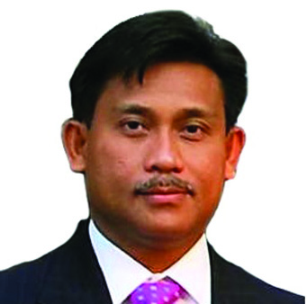 Grand Marshal: Philippine Consul General Henry Bensurto -