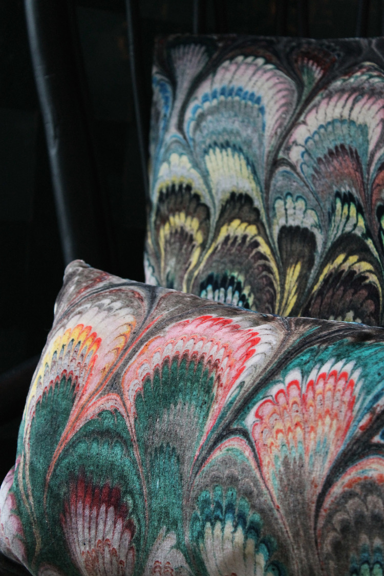 'Marbleised' velvet pillows