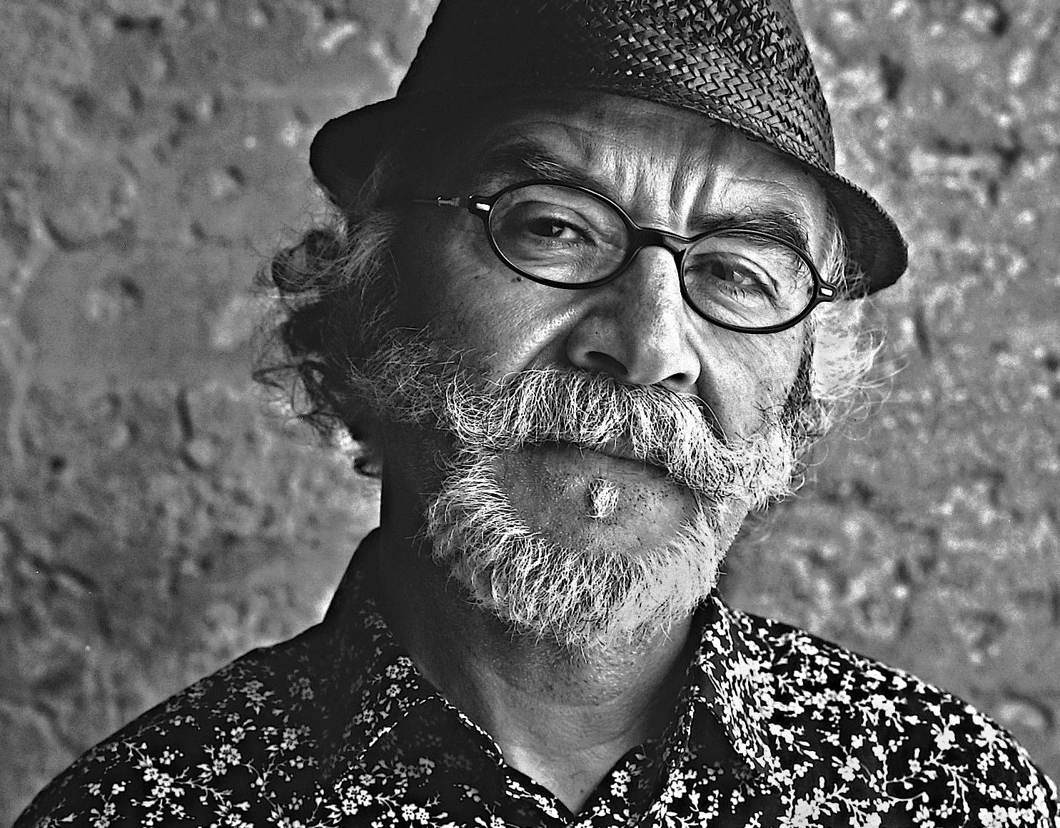 Manuel Alvarez.