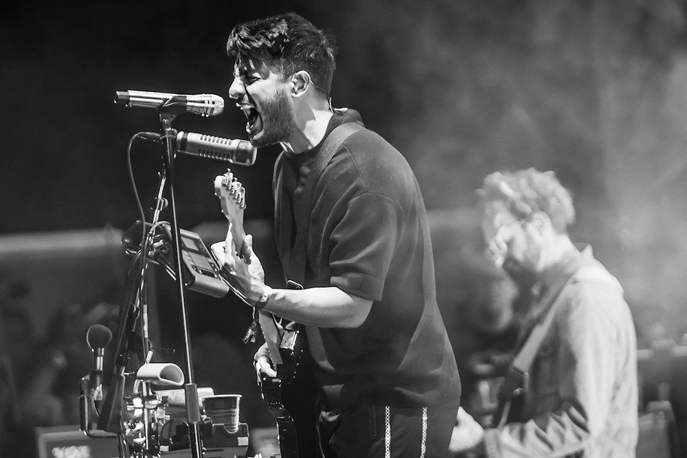 YOUNG THE GIANT 014.jpg