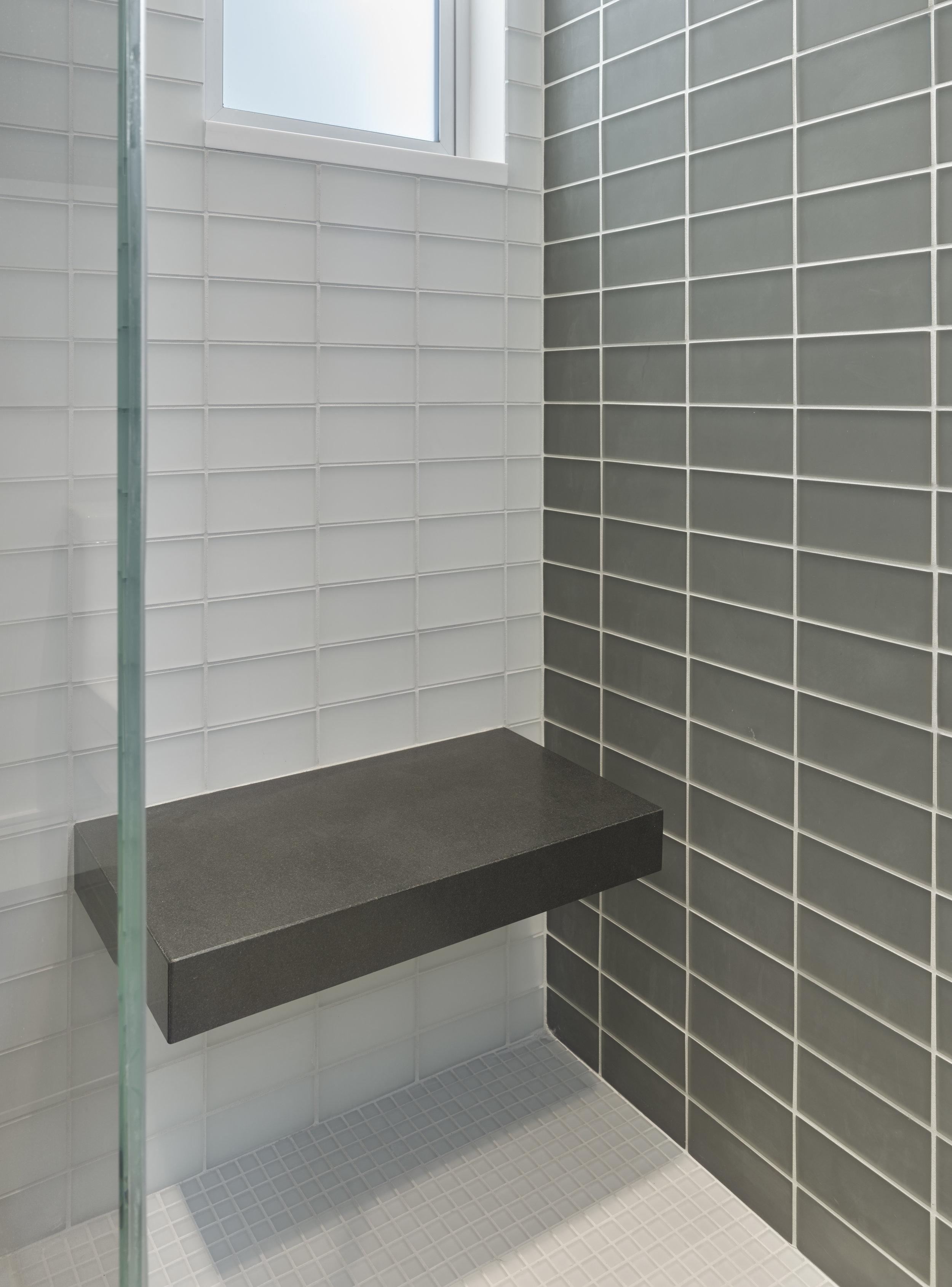 guest bath-1.jpg