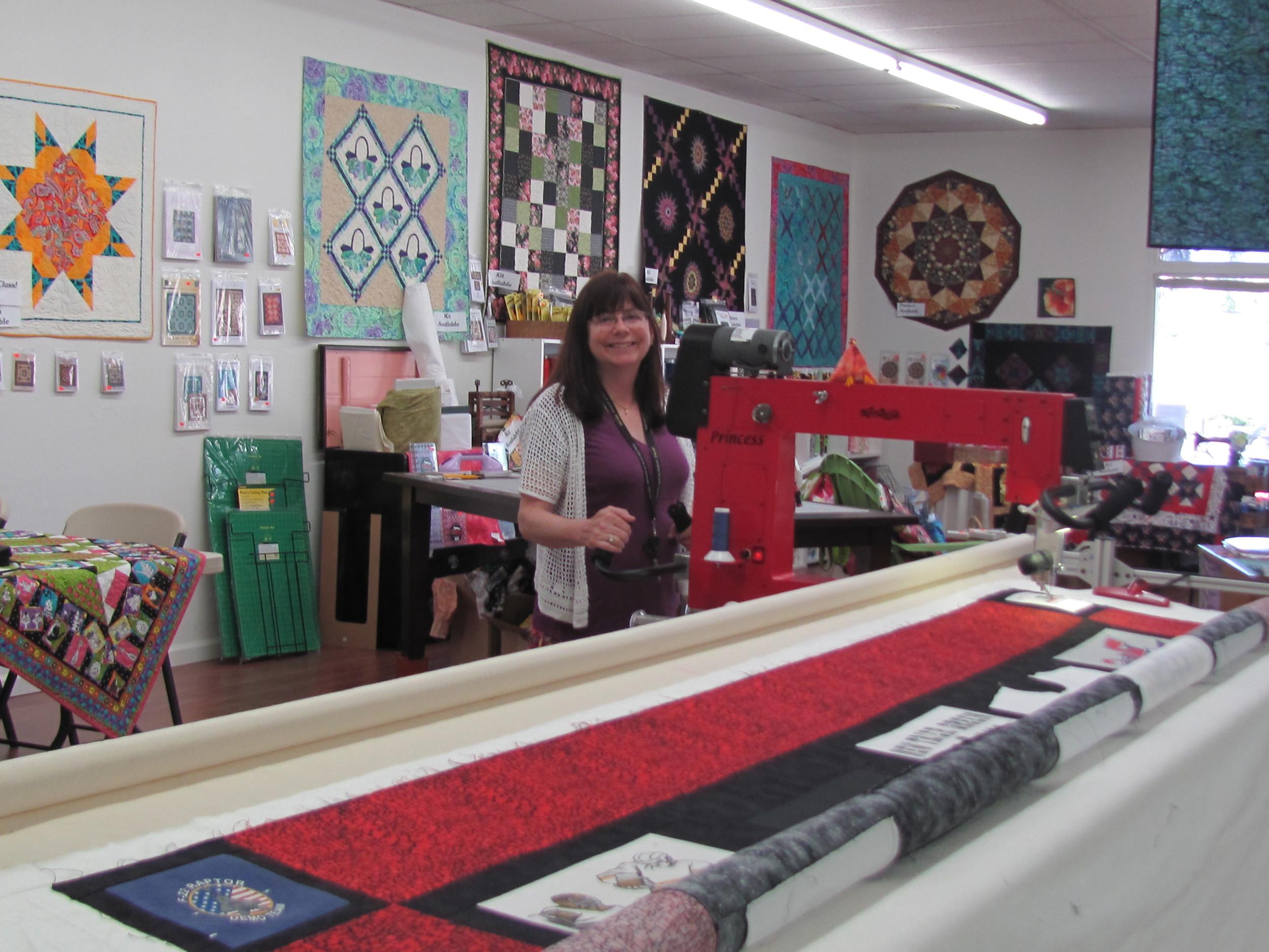 Award winning, long arm quilting expert, Roz Heller