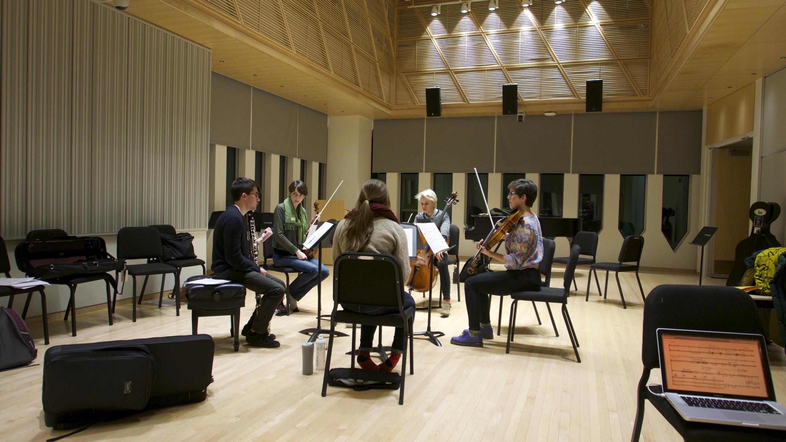 A circle rehearsal in Stull Hall- David Bird's pluck.divide.cut, minus Ben R-W who was still in Deutschland!