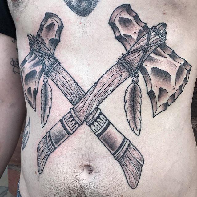 Finished this up on @liven_like_larry 2 weeks ago . . . . #tomahawktattoo #stomachtattoo #blackworktattoo #tummytattoo #terminuscitytattoo #duluthtattoo #largetattoo #nativetattooer #tattoo #tattoos #tomahawk