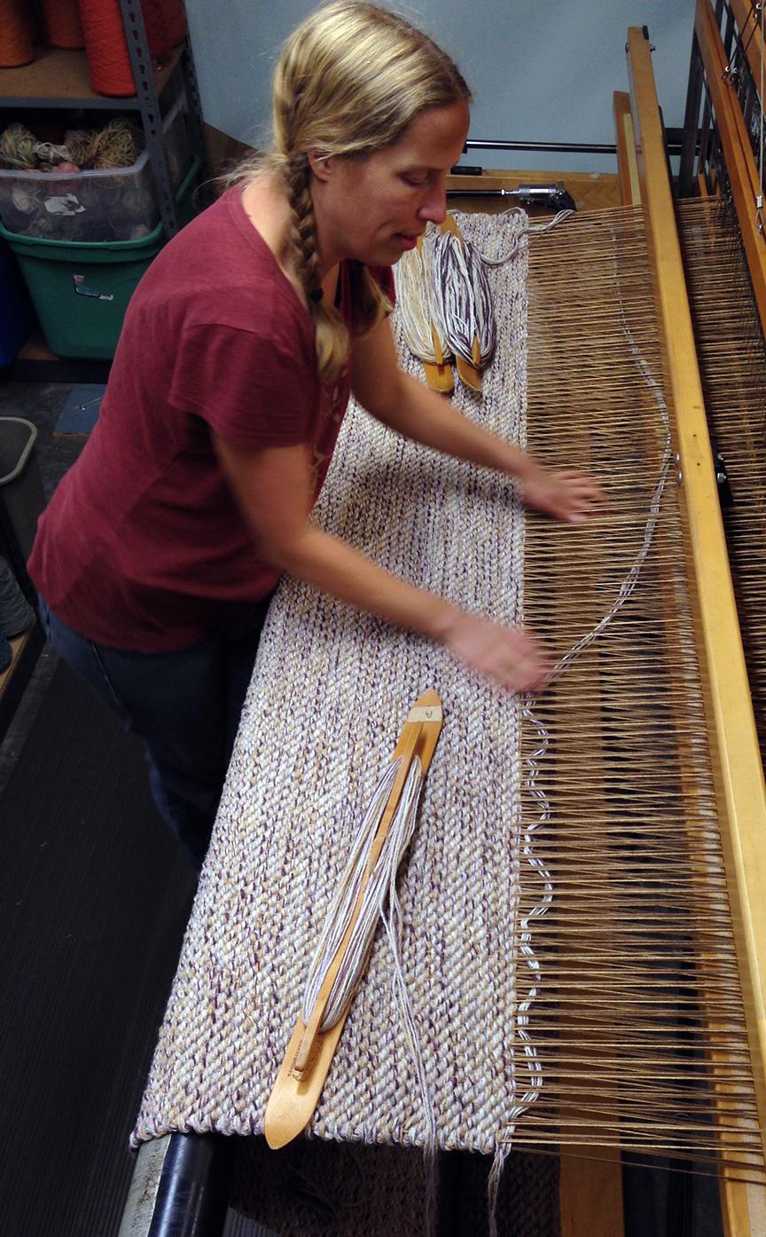 Aurora weaving FWT - 33. Twill in custom colors.