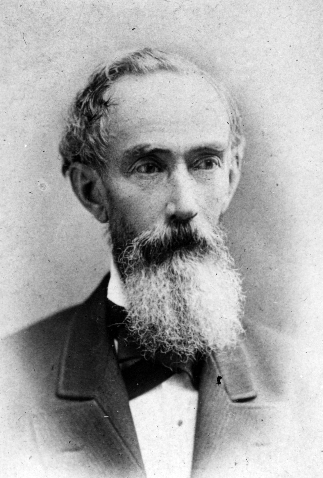Alfred Bates, Sarah's father.