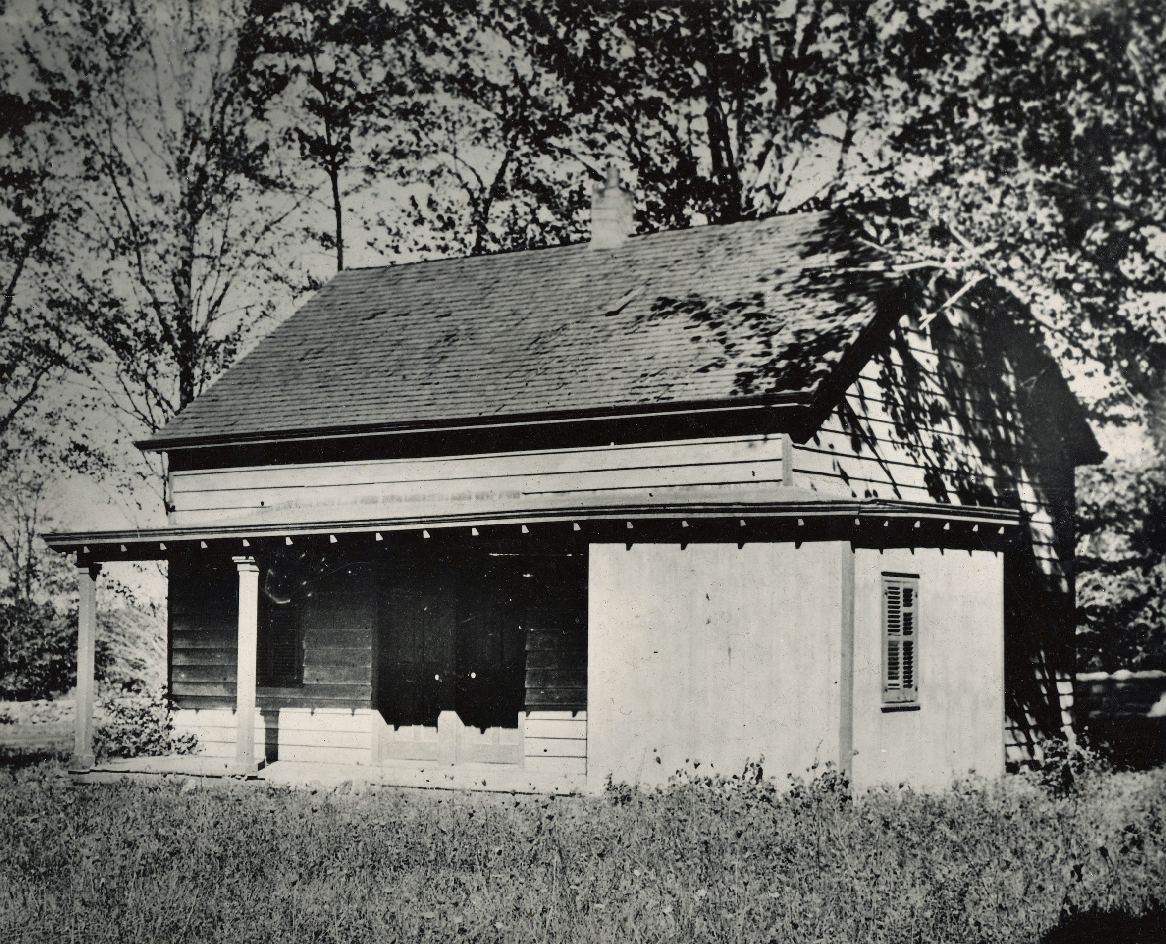 The original Quaker Meeting House was on Weaver Street before it was moved to Post Road by the Society. (1963 photo)