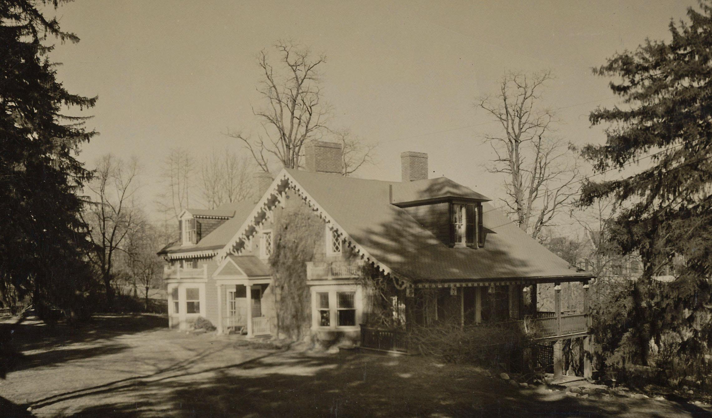 Crawford-Morris-Popham House, date unknown.