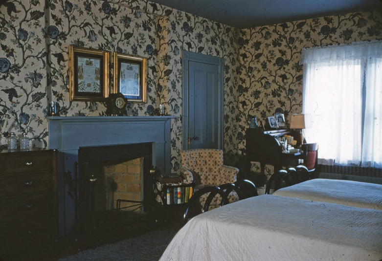 A bedroom in the Crawford-Morris House, date unknown.