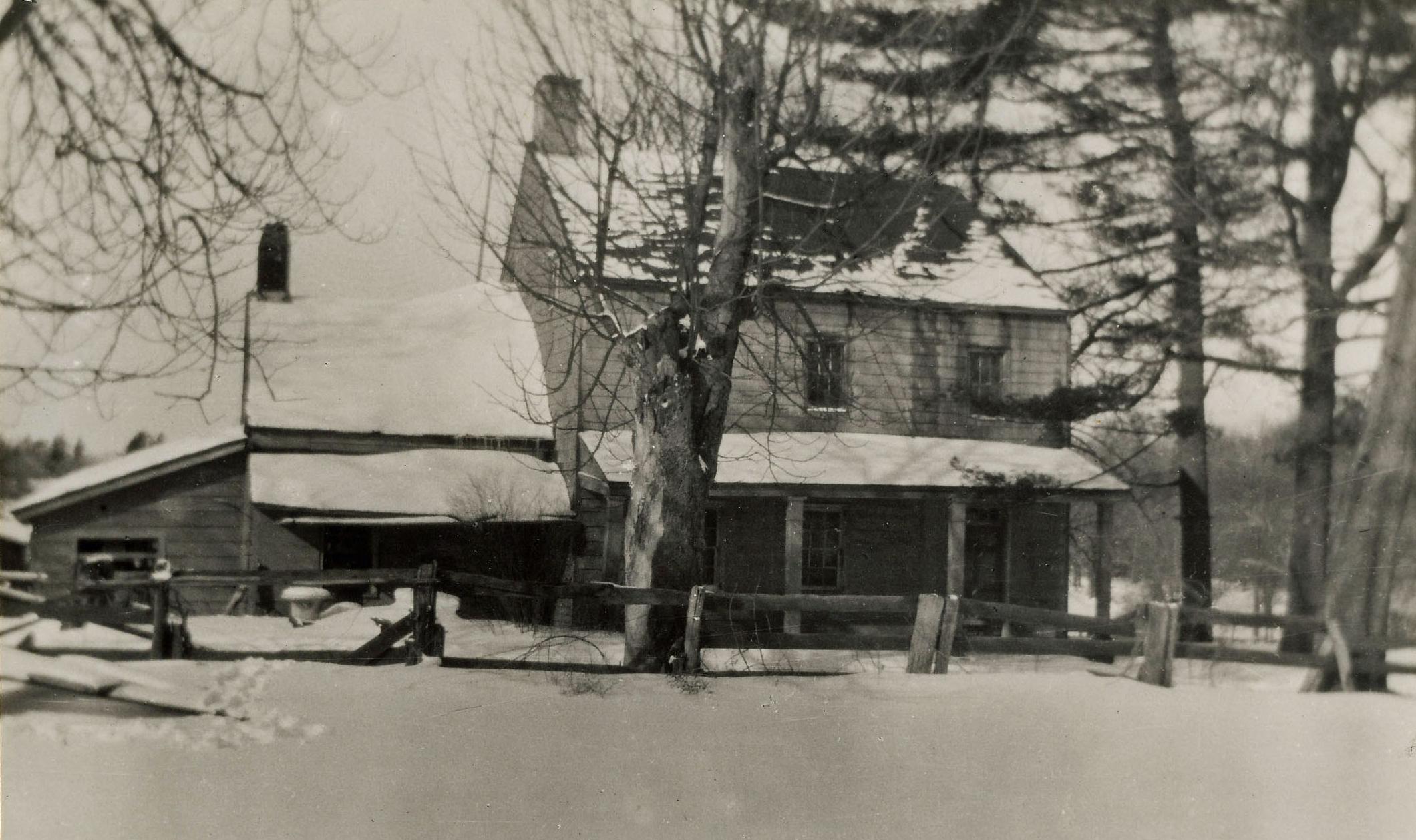 The Angevine-Hatfield-Morris House, c 1900.