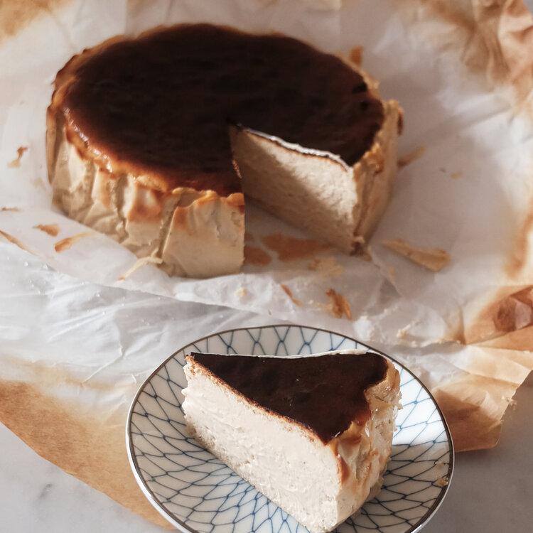 Dahongpao-burnt-basque-cheesecake-singapore.jpg