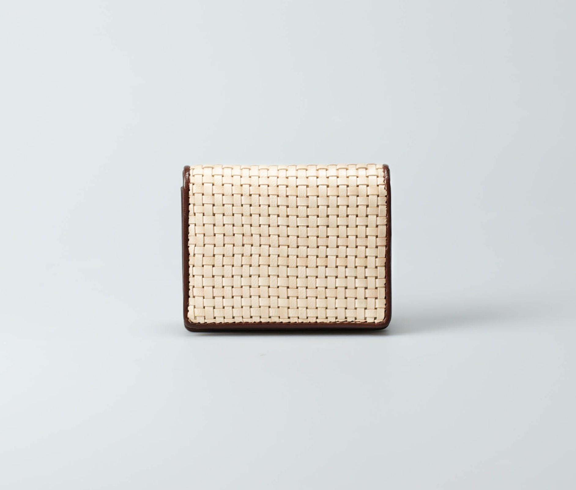 cream-women-classic-weave-cardcase-buna-tresse-1.jpg