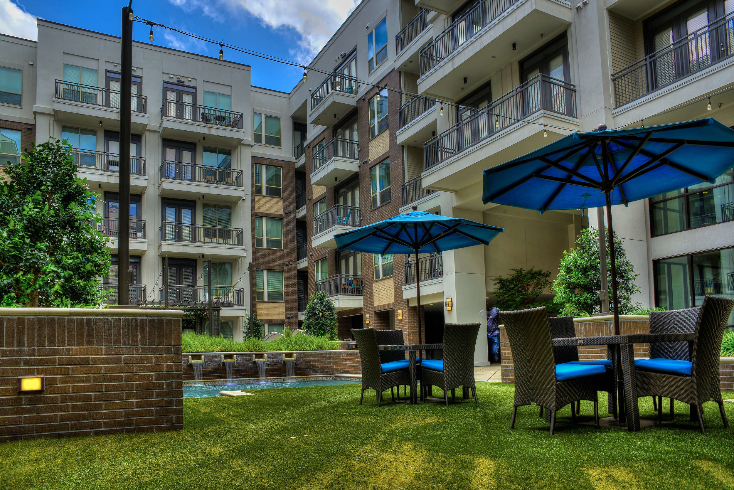 Two L Uptown Apartments Dallas, Tx