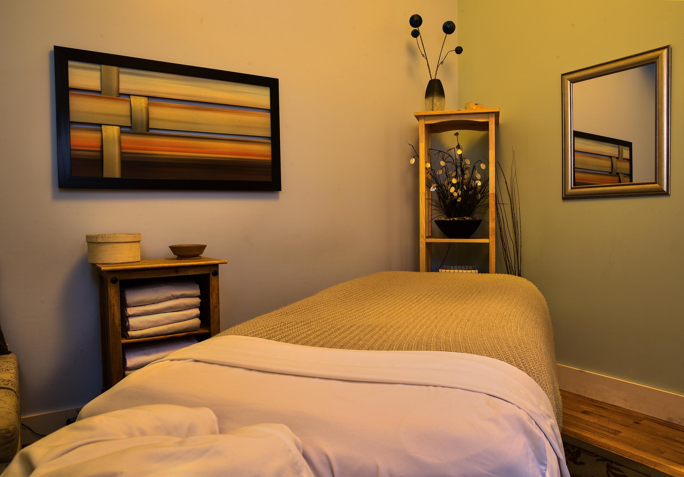 Symetry Massage Highland and Golden 9.jpg