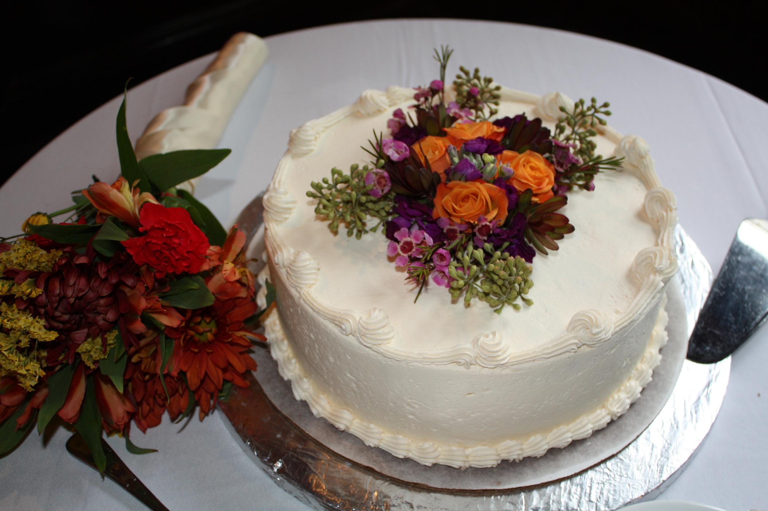 stacey wedding cake.jpg