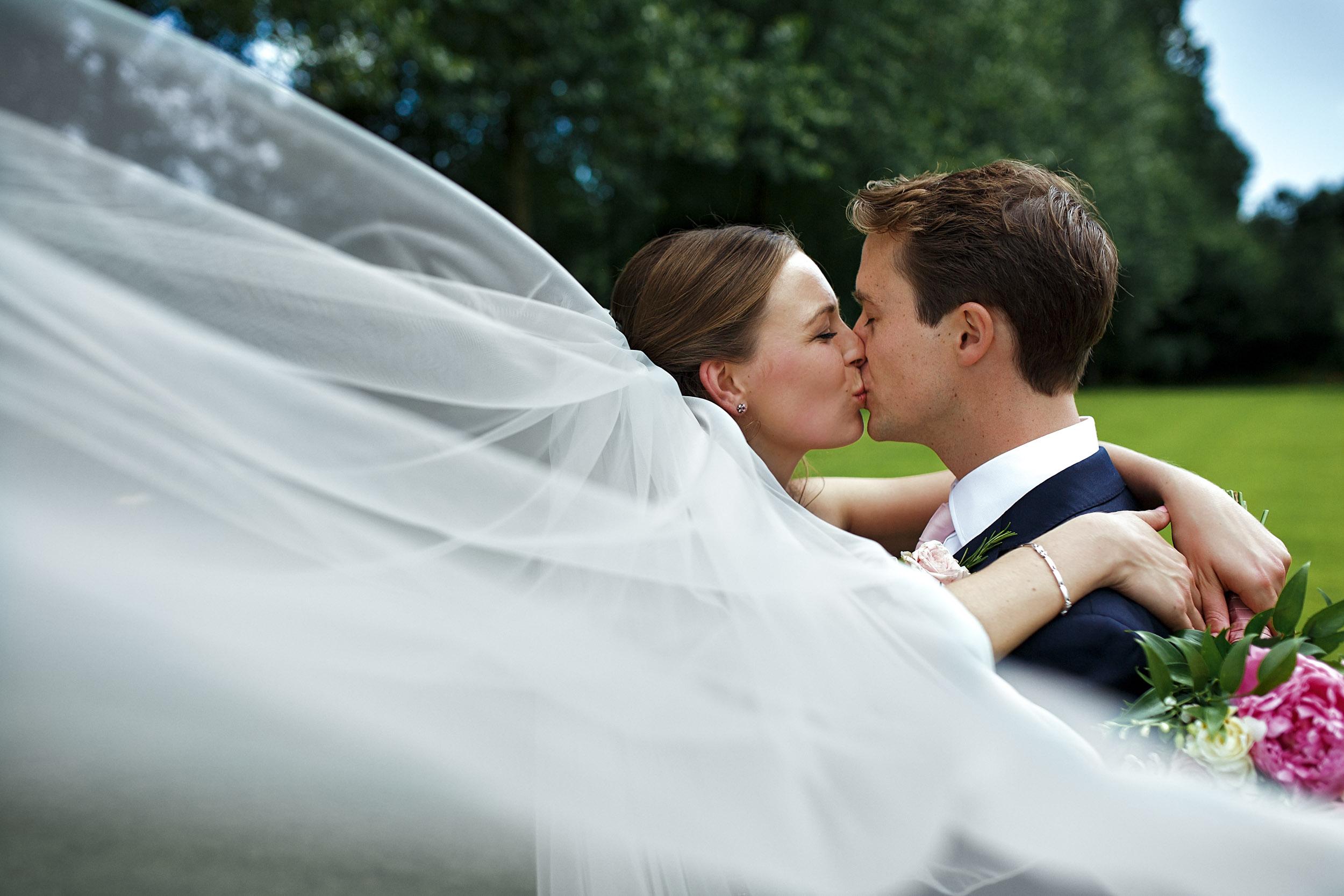 devon wedding photographer dittisham wedding