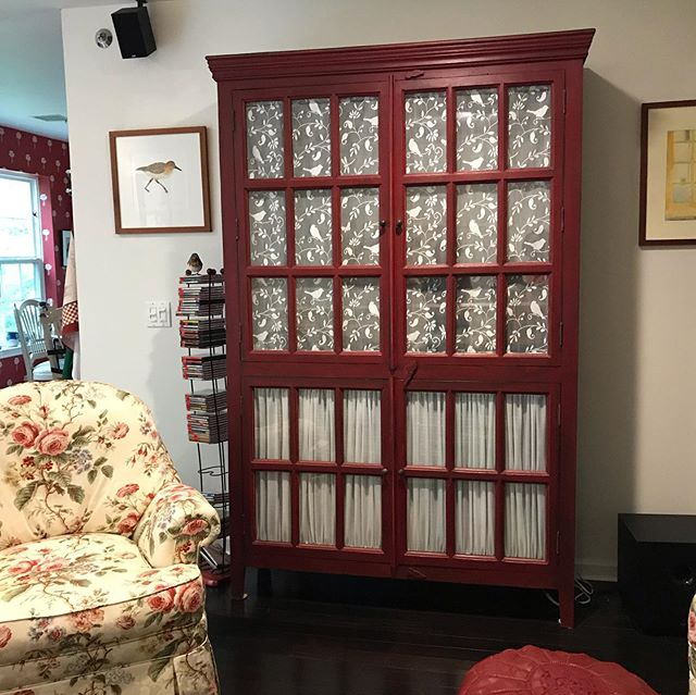 French lace on this beautiful piece of furniture makes a great coverup. #frenchlace #frenchlacecurtains #customcurtain #tvcabinet #customlyyoursllc