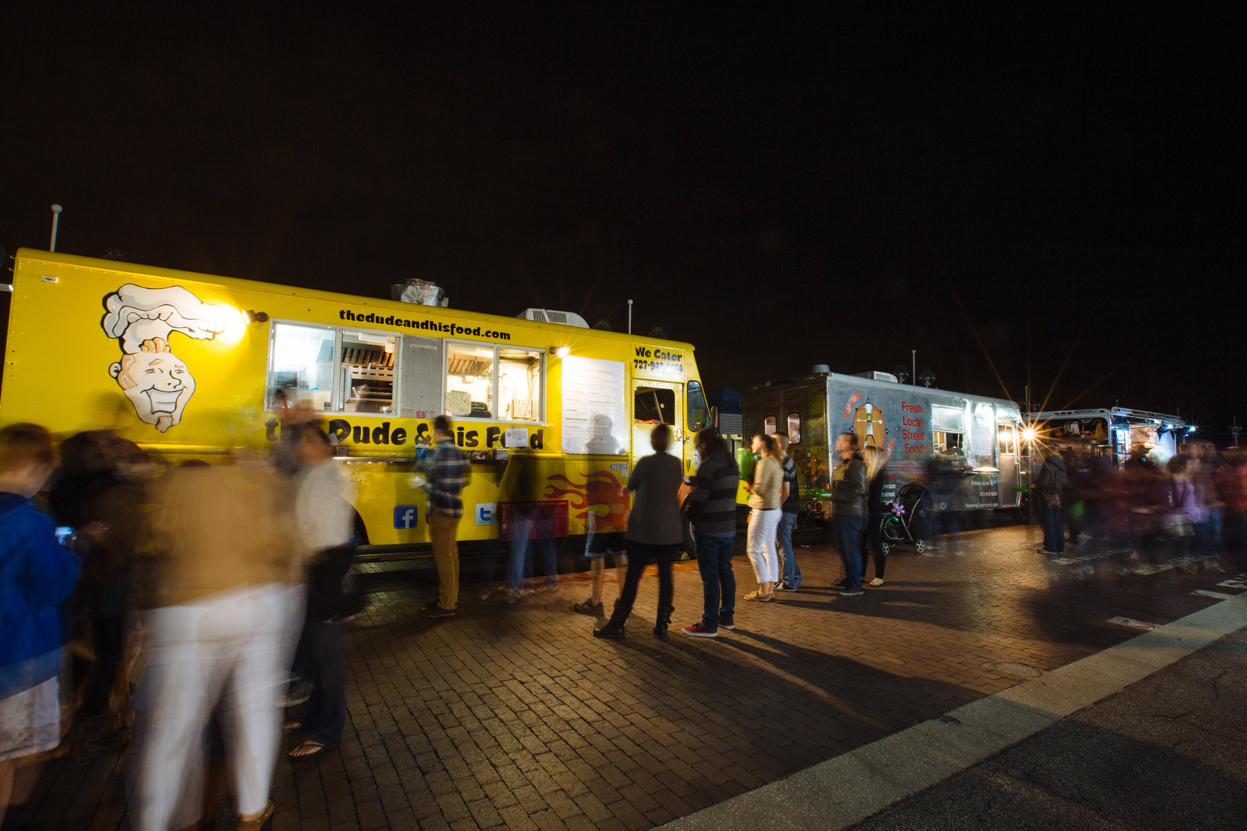 Food trucks at pier in Florida. Image by CityofStPete