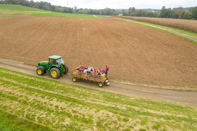 Image of hayride during AGNR Open House at CMREC. Image by Edwin Remsberg