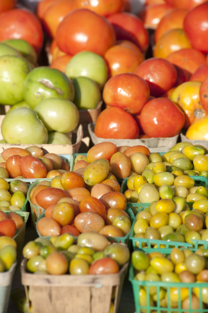 Image of tomatoes at Waverly Farmers Market. Photo Credit Edwin Remsberg.