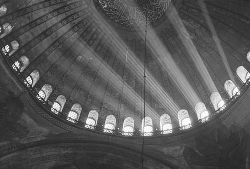 Interior of a mosque in Istanbul, Turkey, October 1959 - Image source: http://glukauf.tumblr.com/post/19859181247/interior-of-a-mosque-in-istanbul-turkey-october