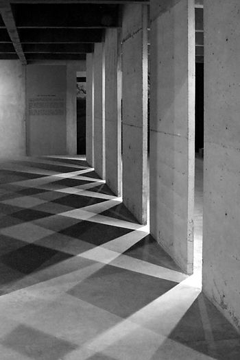 Holocaust memorial, Berlin, Germany, Peter Eisenman   Image source: http://greyfaced.tumblr.com