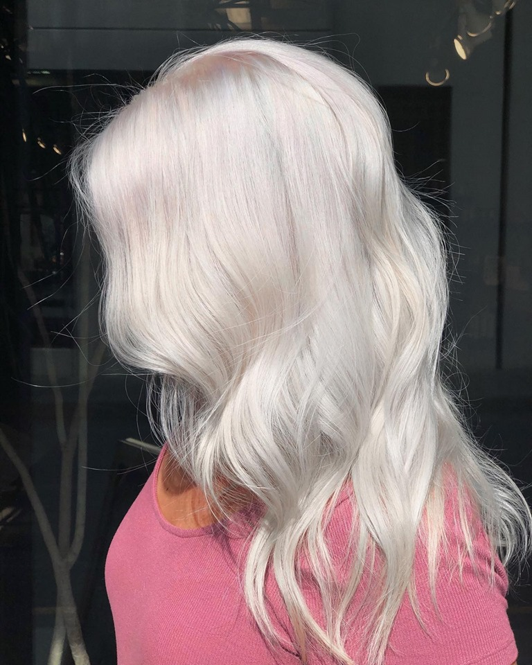beautiful platinum blondes by Amy Hood of Studio Chavarria Asheville NC