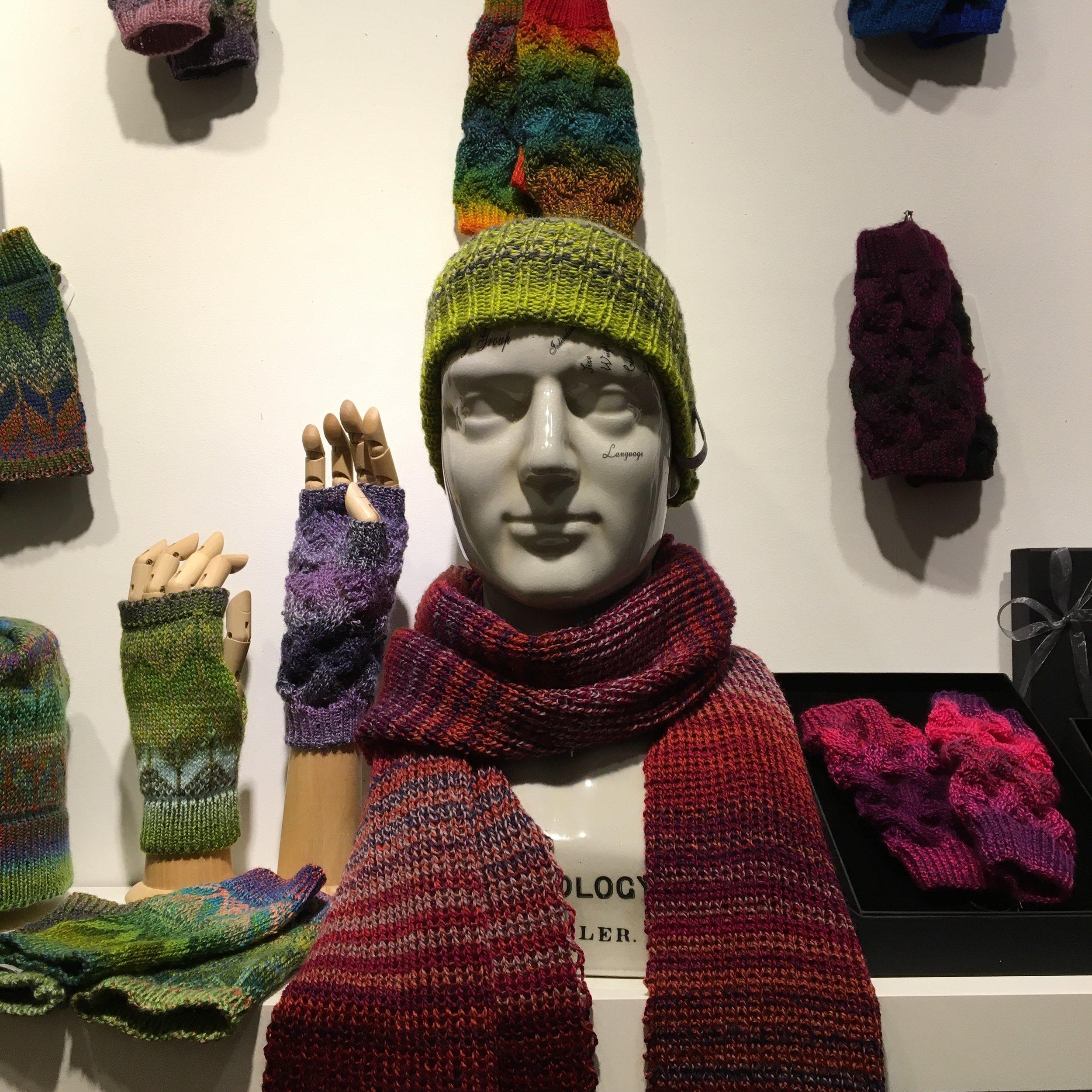 CHELACHE knitwear