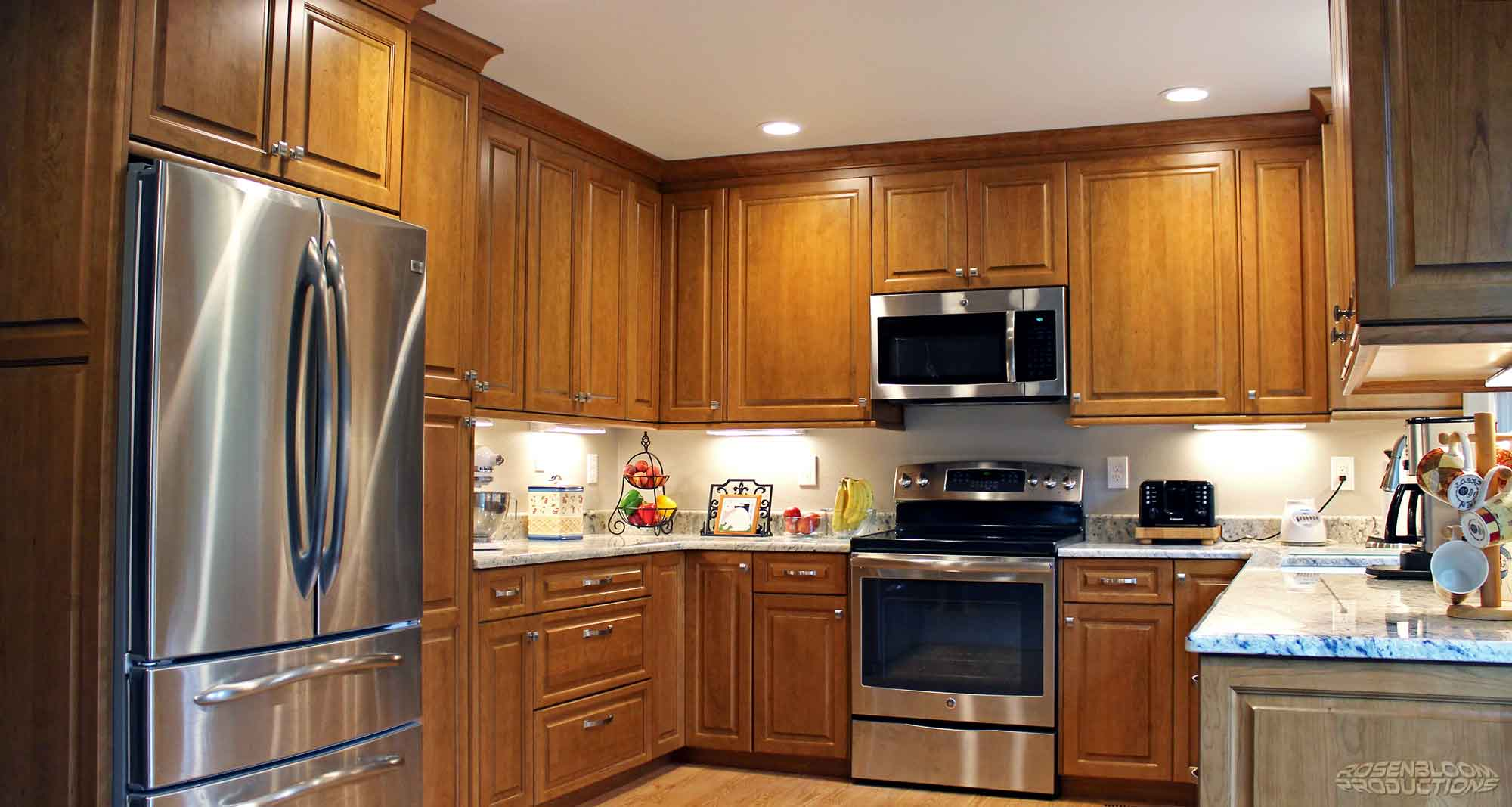 Whole-Kitchen-1LOW.jpg