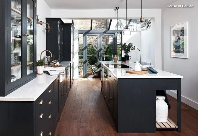 Dark-cabinets-4.JPG