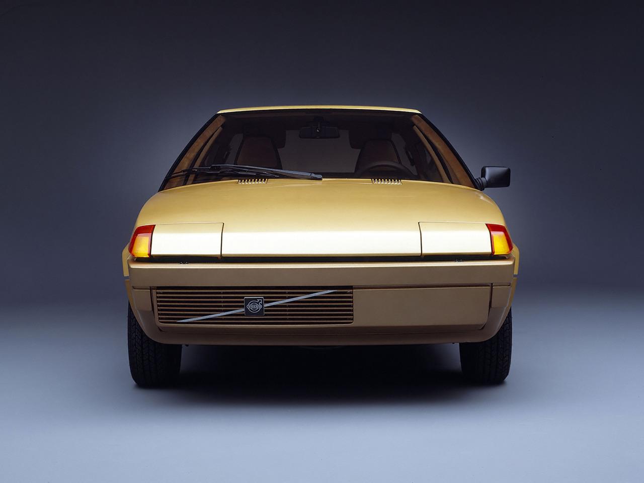 Tyrannosaure_1979_Bertone-Volvo-Tundra_04.jpg