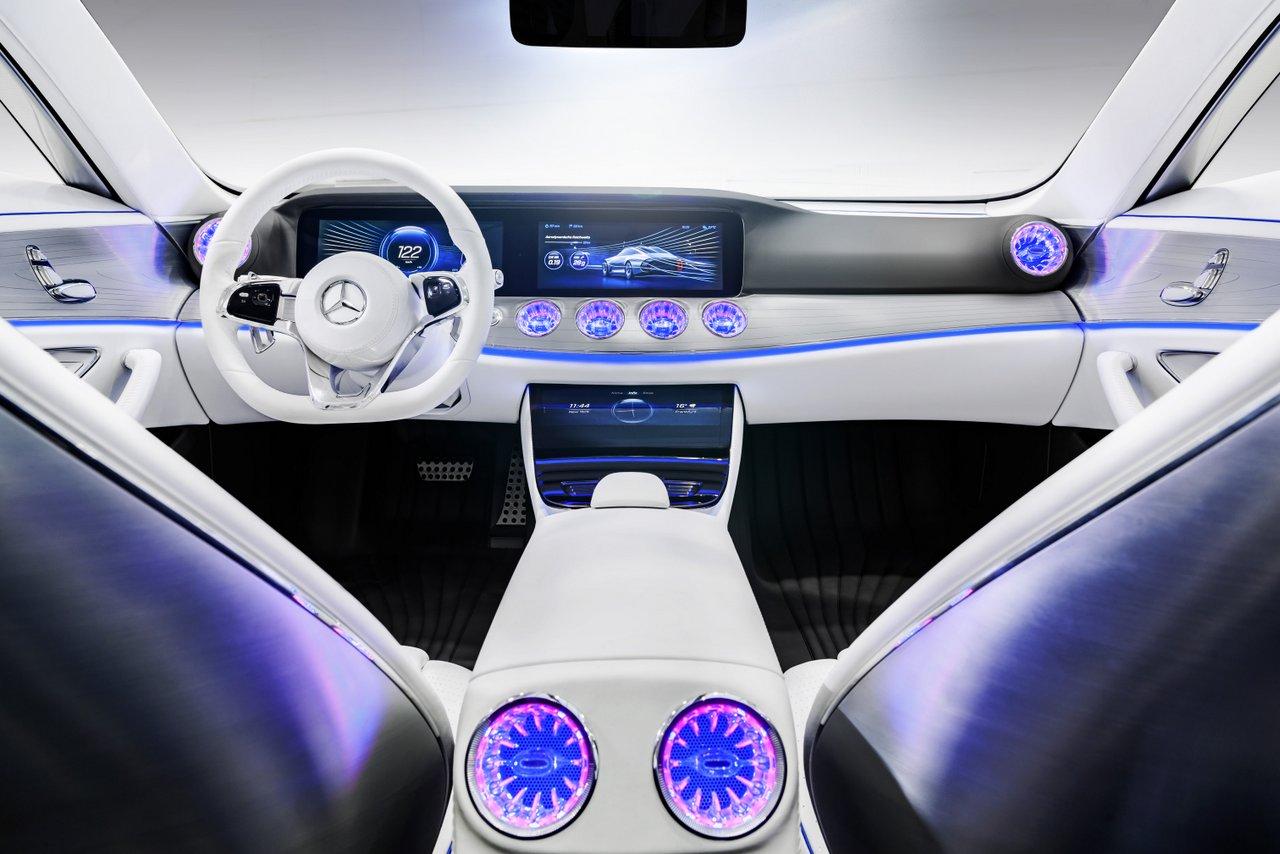 TYRANNOSAURE-Mercedes-Concept-IAA-2015-Francfort-3.jpg