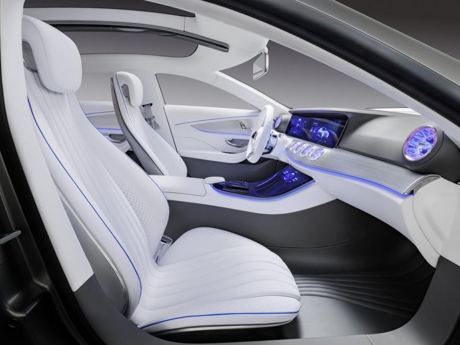 TYRANNOSAURE-Mercedes-Concept-IAA-2015-Francfort-8.jpg