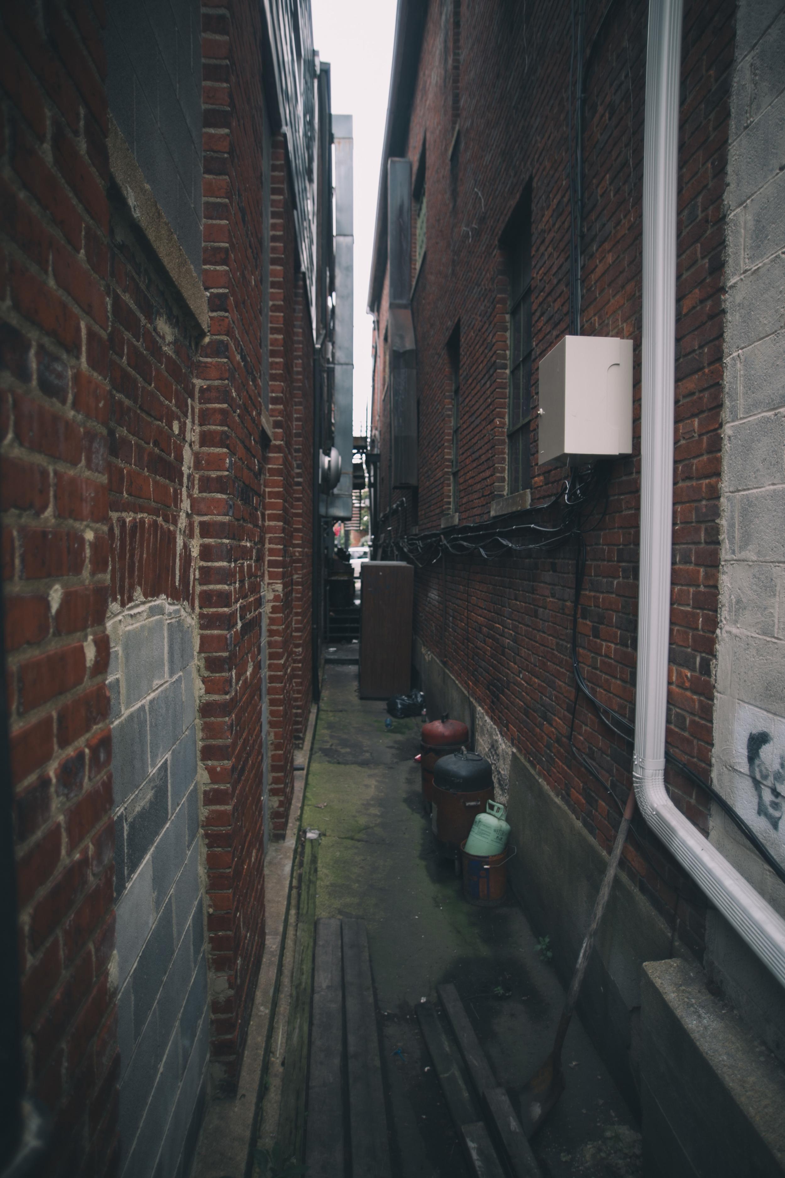 alley_.jpg
