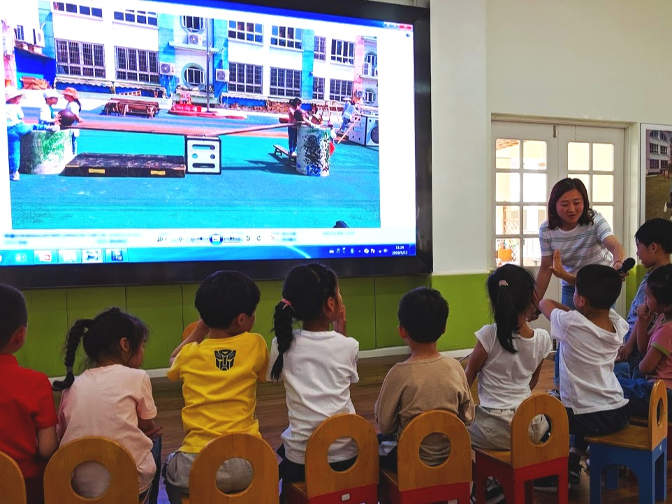 Children reflect on and discuss True Play in Anji County, China