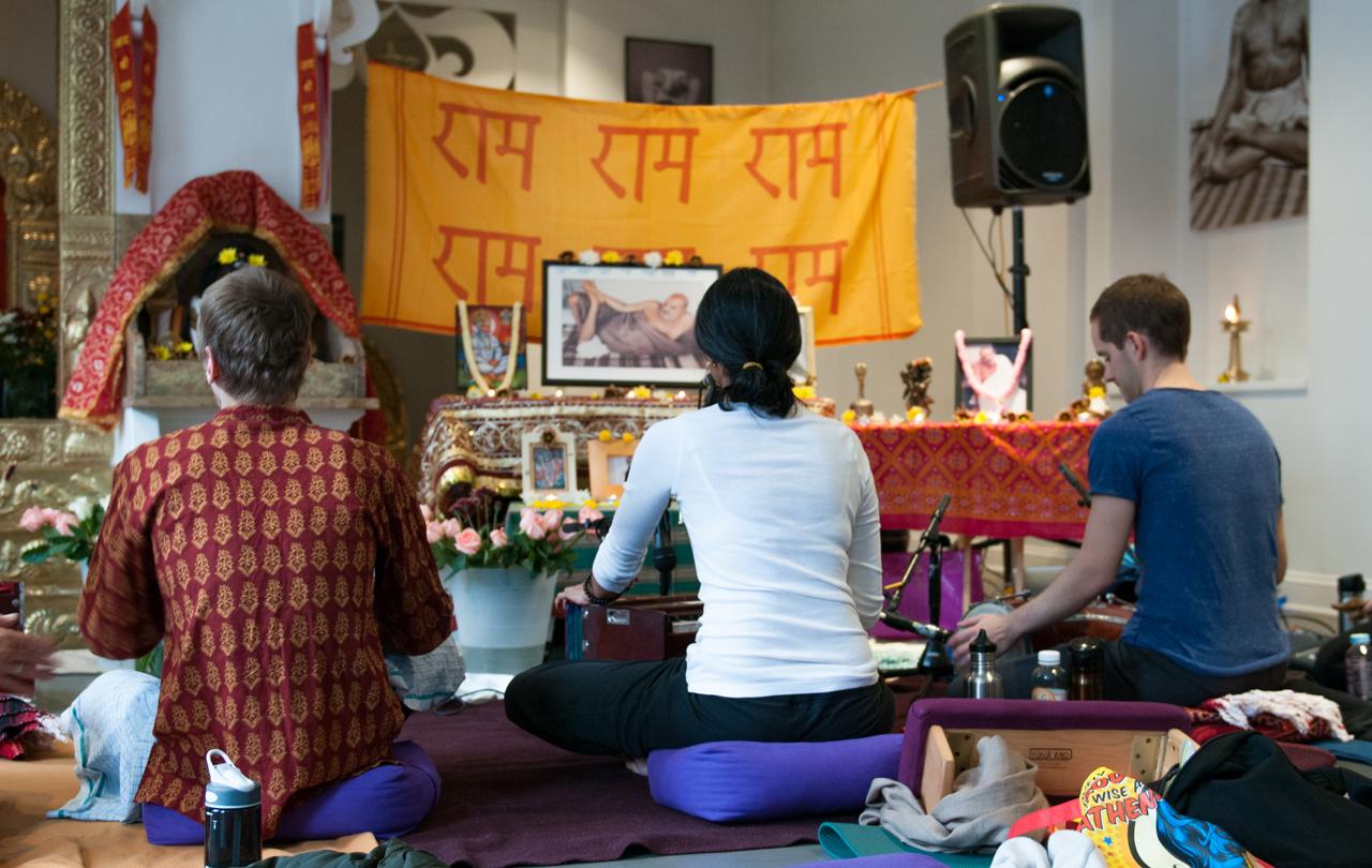 Vanaras-Present-108-Hanuman-Chalisas-@-Broome-Street-Temple-(A.M.)-22.jpg