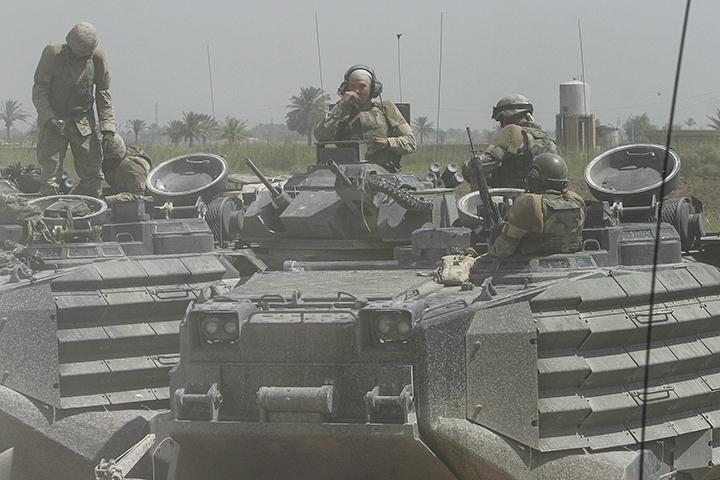 1st Battalion/2d Marines AAV section arrives in Iskandariyah, July 21, 2004