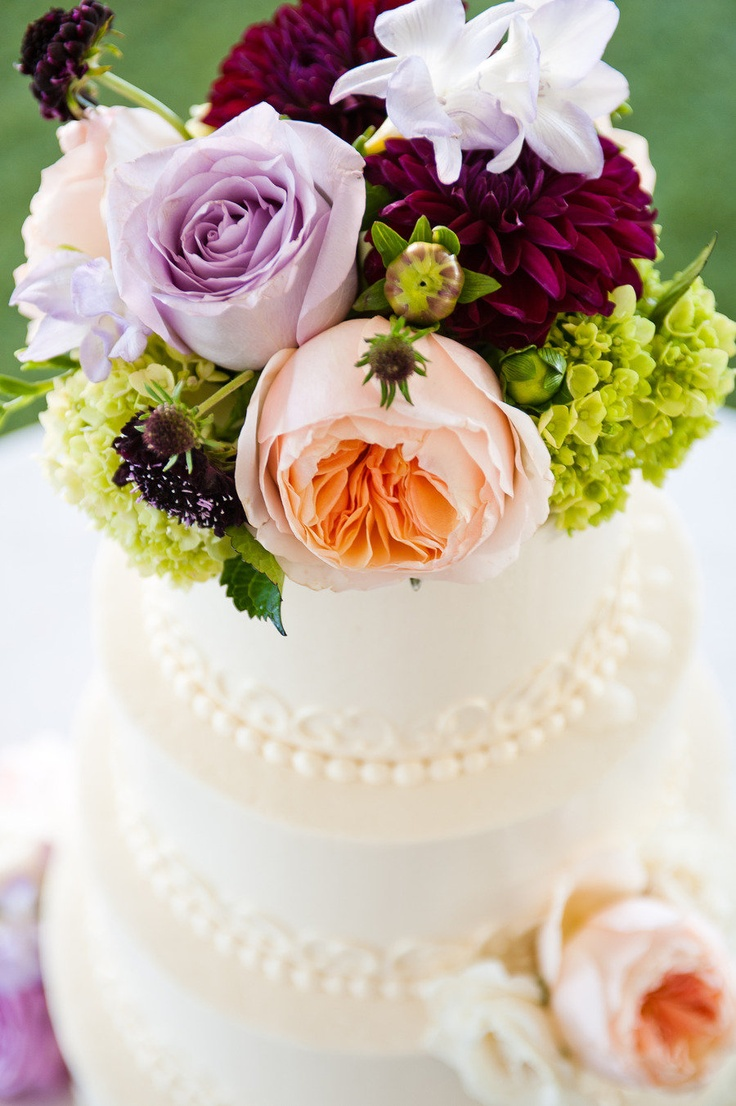 Lynn Palmer Cakes // Flower design Lynn Palmer Cakes