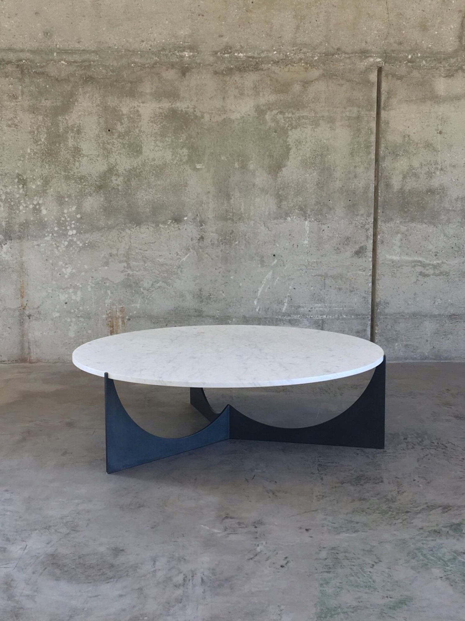 Eclipse coffee table