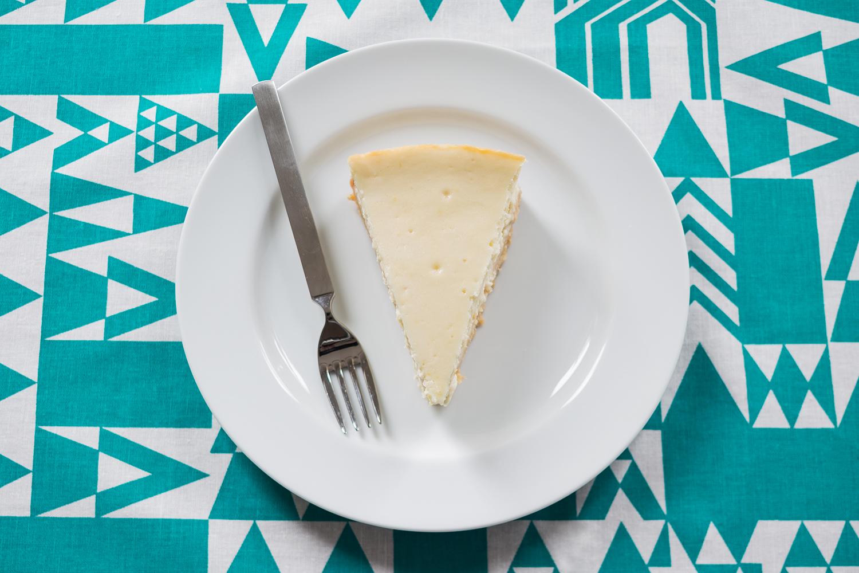Lemon_Cheesecake_Slice.jpg