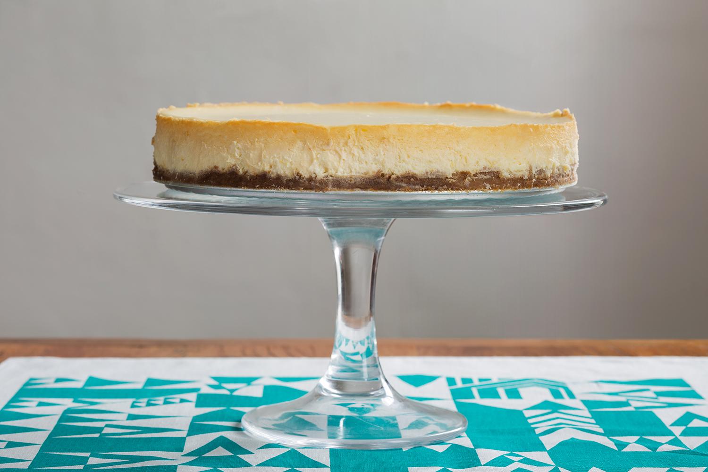Lemon_Cheesecake_Whole.jpg
