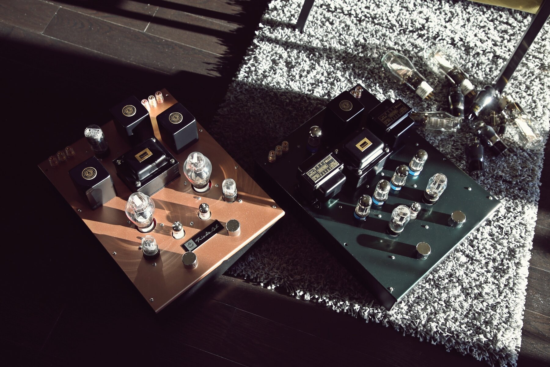 Triode Lab 2A3 EVO  Integrate ( Copper Metallic ) vs  Finale Audio Sesto Elemento FFX  ( British Racing Green )