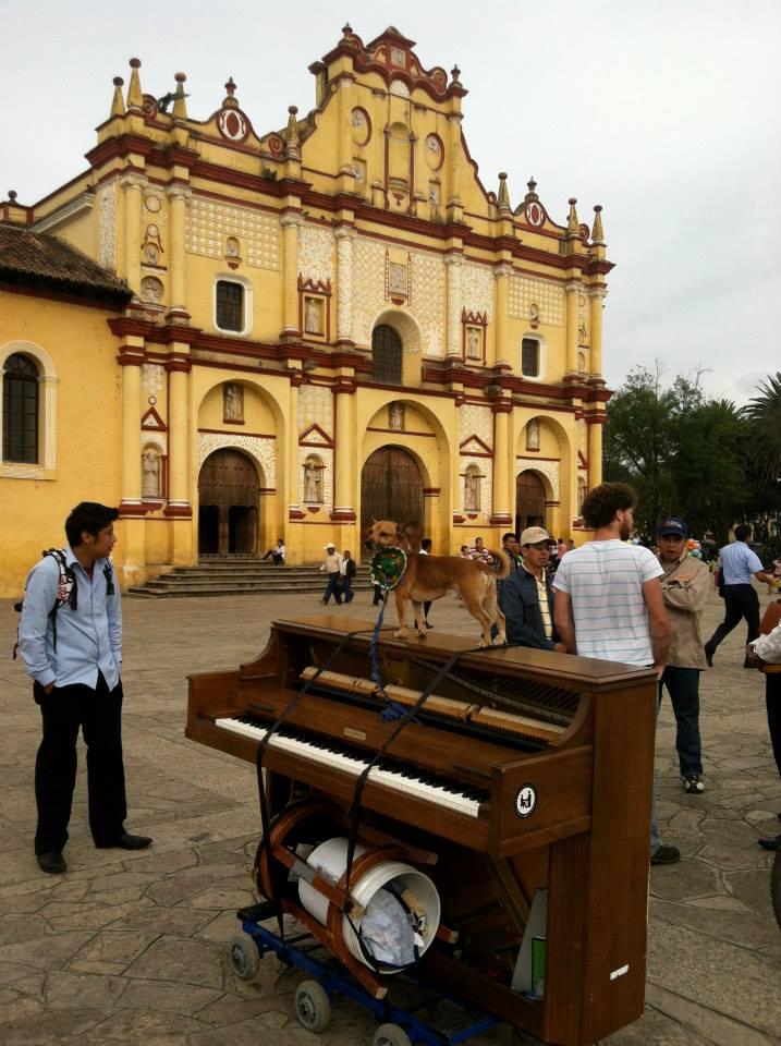 playing piano at san cristobal de las casas dotan negrin