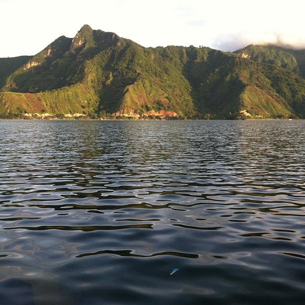laguna de atitlan amazing lake
