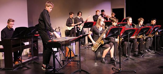 Jazz Ensemble I included Grant Arntz '20, Christian Batingan '17, Zachary Cohen '20, PJ Colino '20, Axel Hejlsberg '19, Angel Hernandez '19, Benjamin Heymann '20, Nicholas Heymann '18, Matthew Le Roy '19, Sophia Leonidas '18, Adam Loeb '19, Arjun Piplani '20, Frank Tonina '20, William Vogel '17, and Alli Wicklund '20. Its performance was conducted by Matthew Frost, and it featured guest artist Thomas Marriot. Photo by Megan Conklin.