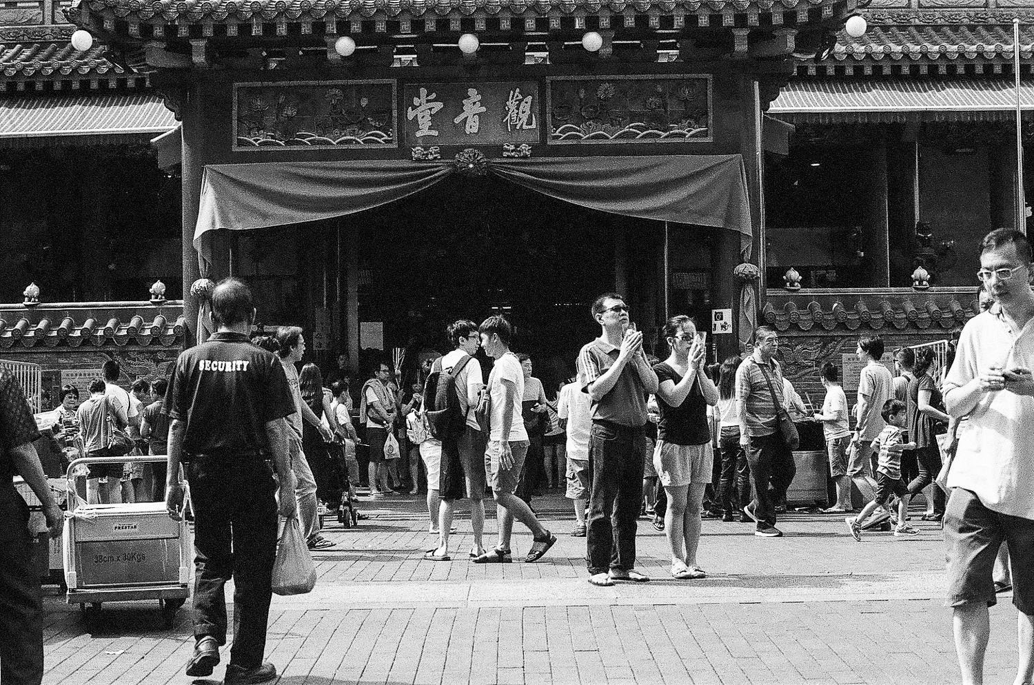 观音堂佛祖庙。Kwan Im Thong Hood Cho Temple. Waterloo Street, Singapore.
