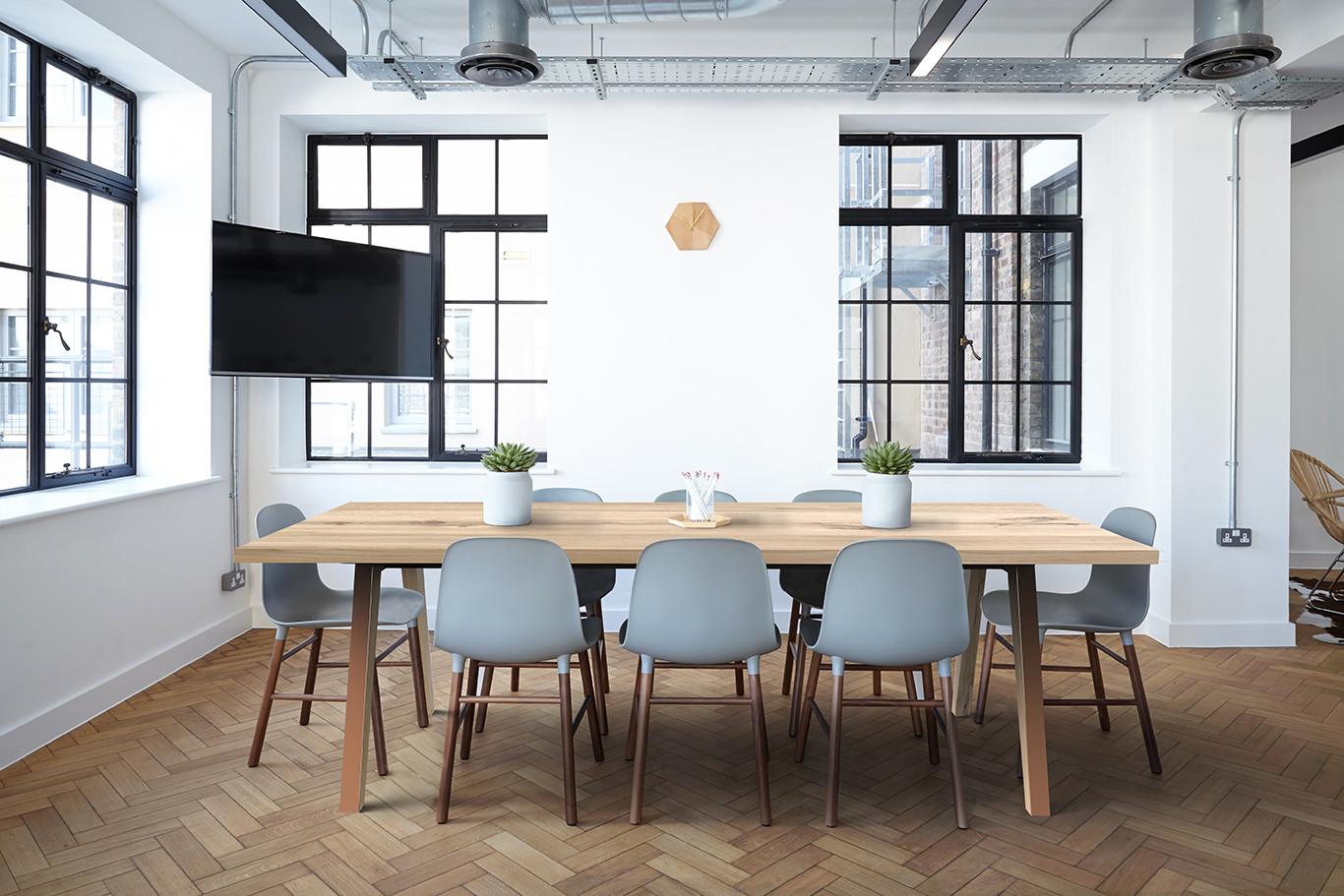 tolt table - wood