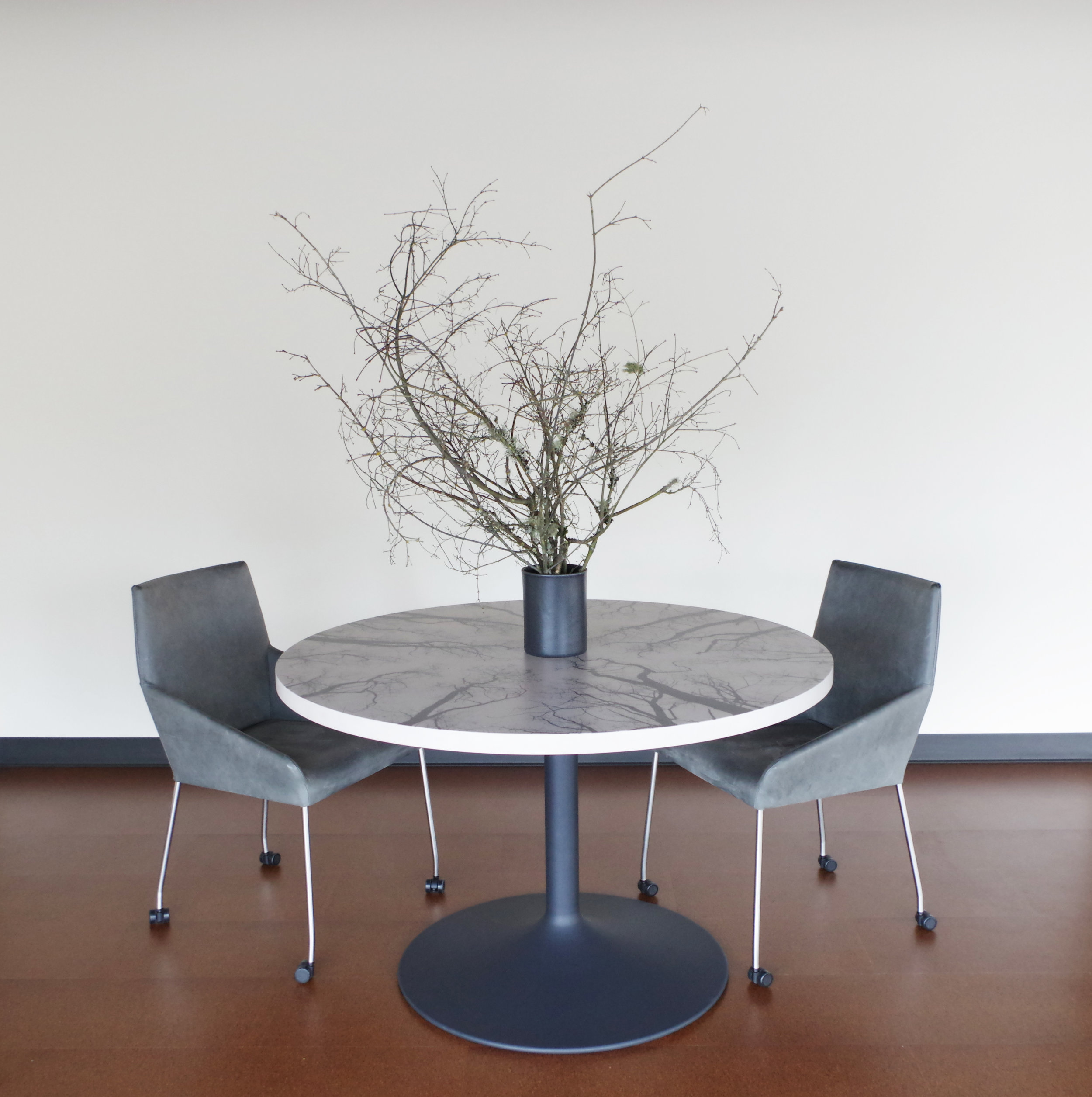 SKYLINE TABLE